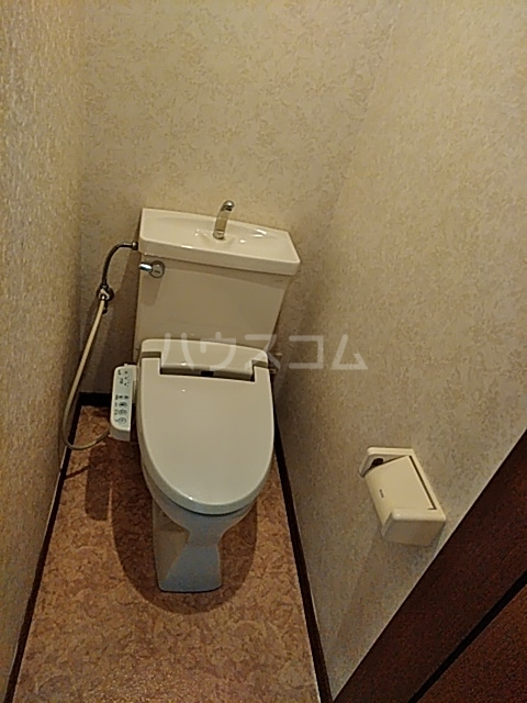 サンハイム中島 301号室のトイレ