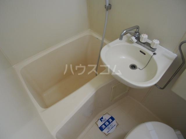 スカイコート草加 501号室の風呂