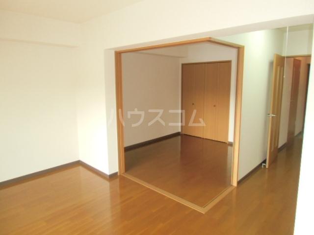 One Face 303号室のリビング