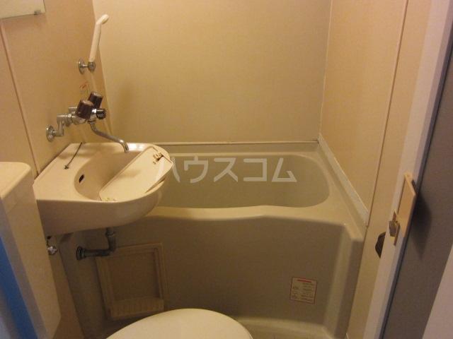 レオパレスRX黄金 406号室の風呂