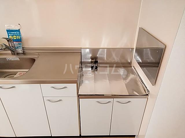 プラシードⅢ 01050号室のリビング