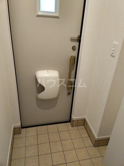 グレイス鶴里 02020号室の玄関