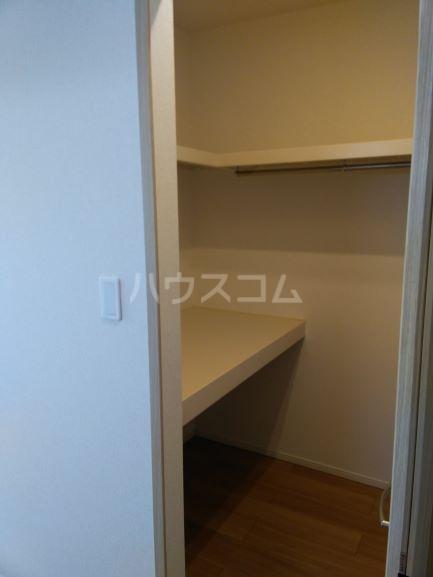 グレイス鶴里 02020号室の収納
