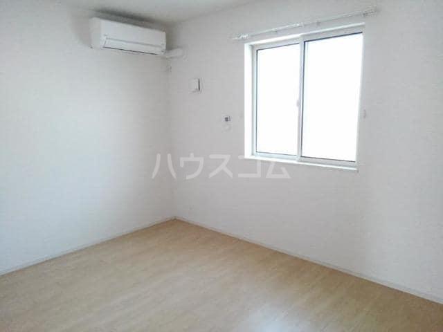 クノッシ ボア Ⅱ 01010号室のベッドルーム