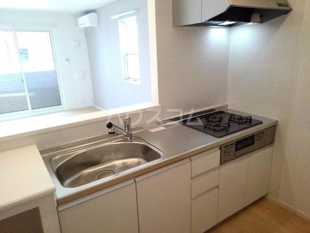 クノッシ ボア Ⅱ 01010号室のキッチン