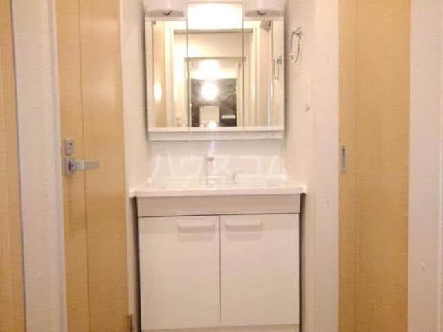 クノッシ ボア Ⅱ 01010号室の洗面所