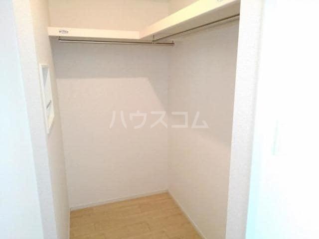 クノッシ ボア Ⅱ 01010号室の収納