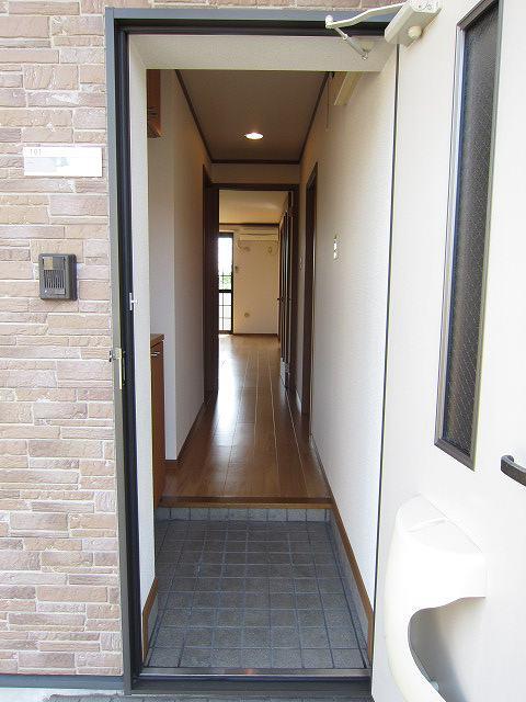 コーポラスエース 01040号室の玄関