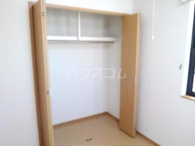 ソレイユⅢA 01020号室の収納