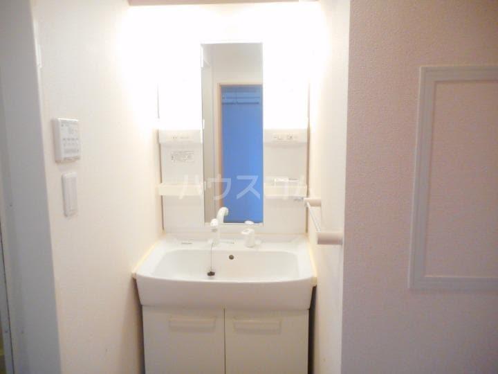 インプレス東起 Ⅰ 03010号室の洗面所