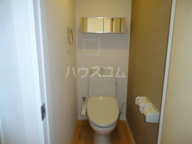 リヴィエール今西 201号室のトイレ