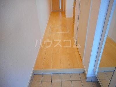 カーサミツミネ ルーチェ 01030号室の玄関