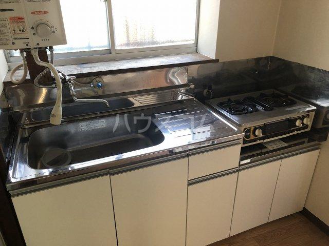 第一コ-ポ新河岸 101号室のキッチン