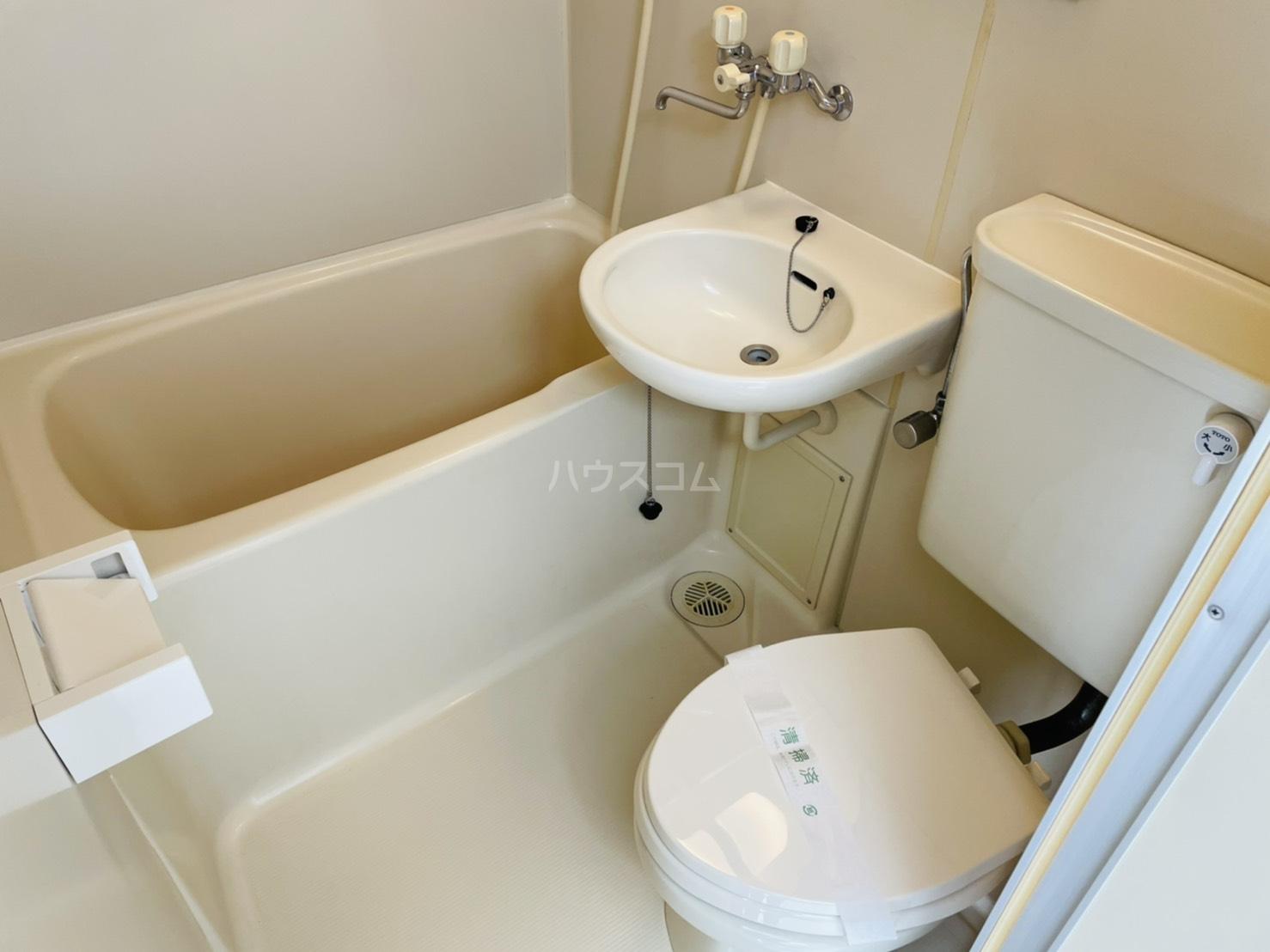 第2岡三ビル 302号室の風呂