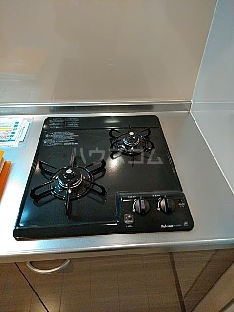 パインリーブス 201号室のキッチン