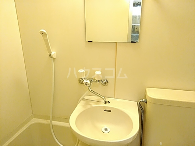 プリシア千里丘 207号室の洗面所