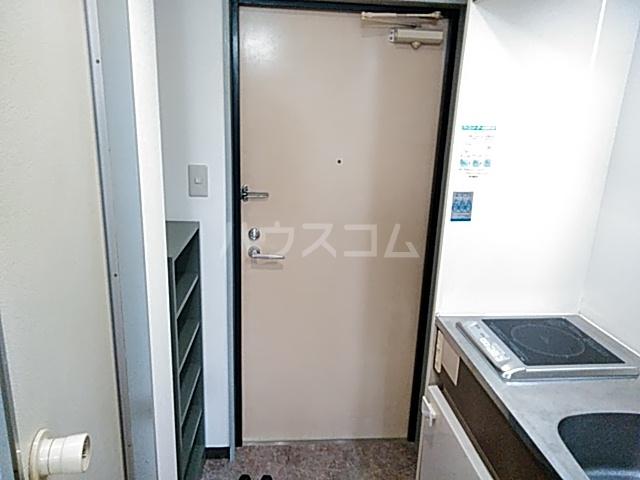 プリシア千里丘 207号室の玄関