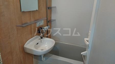 ラフィネ芦花公園B 101号室の風呂