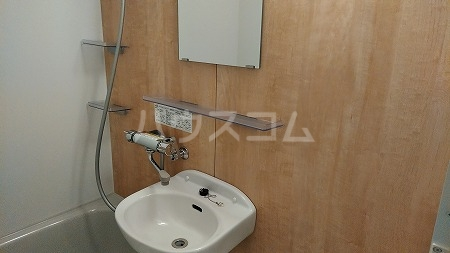 ラフィネ芦花公園B 202号室の洗面所