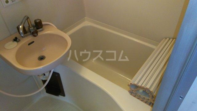 エステートピア・シャルム 201号室の風呂
