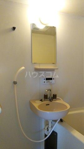 エステートピア・シャルム 201号室の洗面所