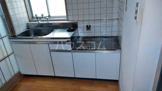 コーポユタカ 102号室のキッチン