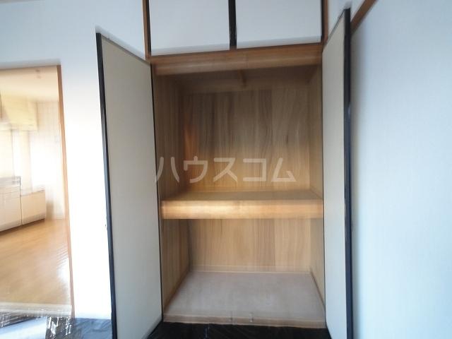 ニュープレイス 01020号室の収納