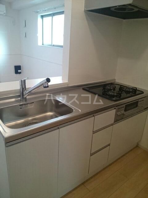 ラ ヴィータ リッカ 02020号室のキッチン