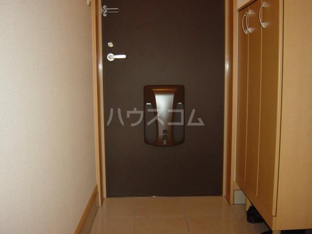 ラ メゾン デ ショコラ 205号室の玄関