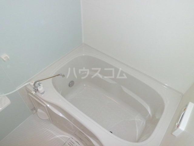 プリエ・エトワールB 01010号室の風呂