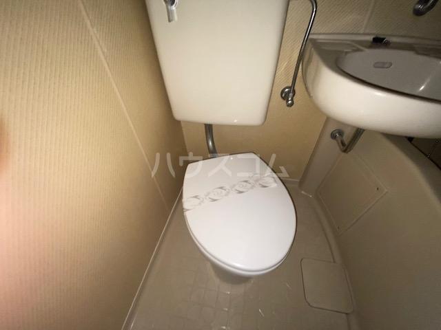パークビル 501号室のトイレ
