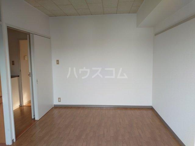 サカエハイツ 0302号室の居室