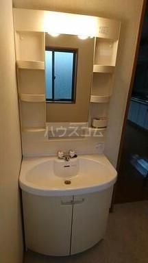 ハイツU A-2号室の洗面所