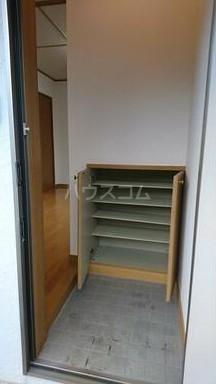 ハイツU A-2号室の玄関