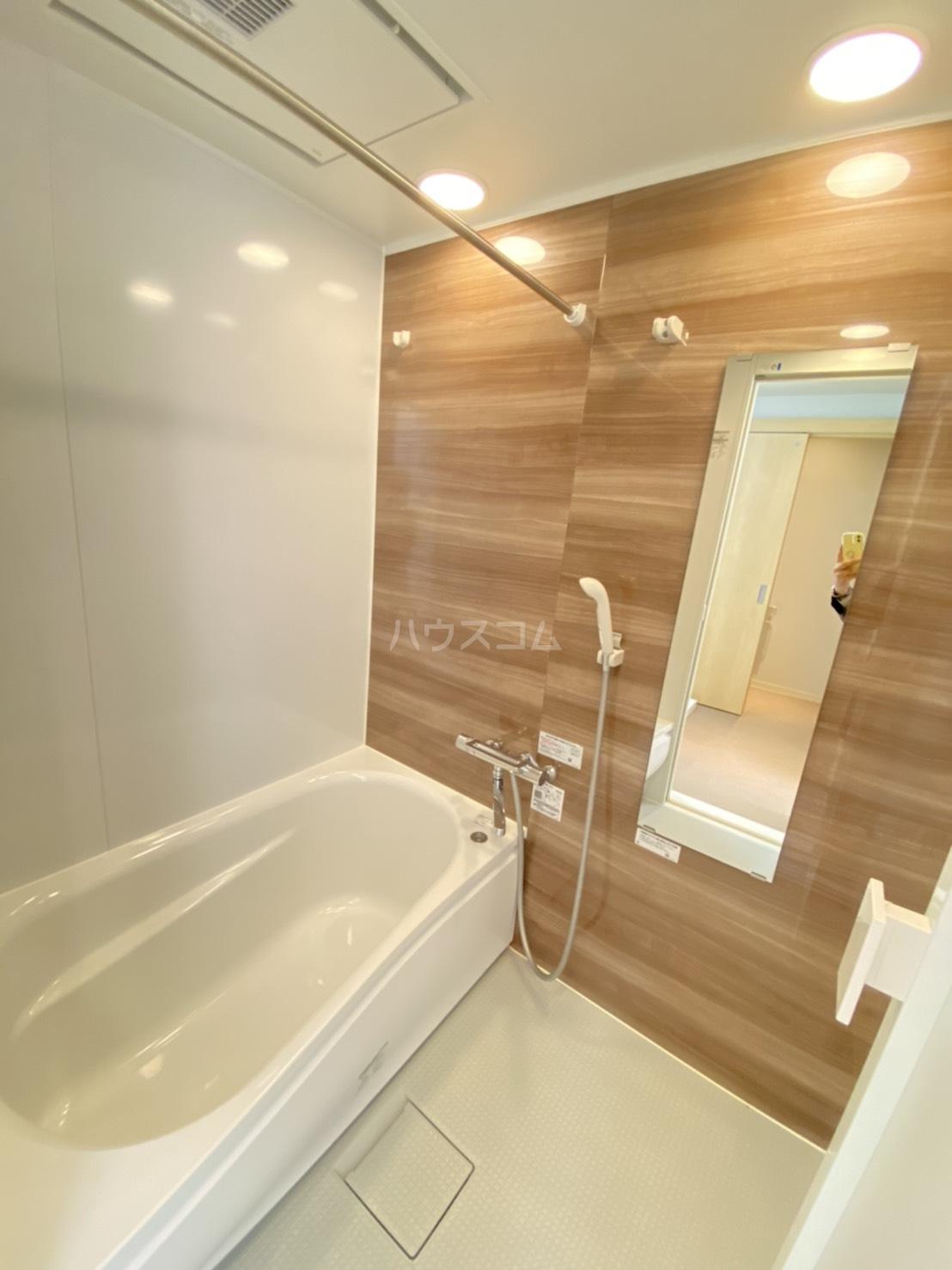 メゾン高槻Ⅱ号館 102号室の風呂