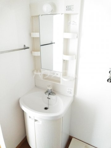 インペリアル 101号室の洗面所