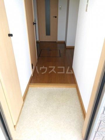 インペリアル 101号室の玄関
