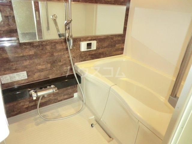シャーメゾン東岸和田 305号室の風呂