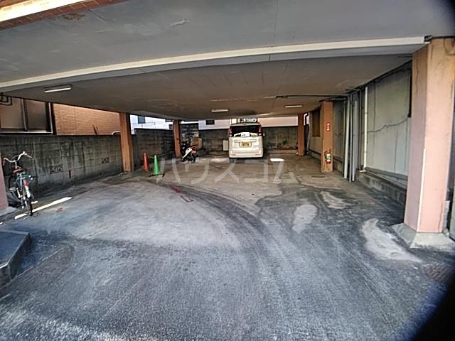 コーポ南 D号室の駐車場