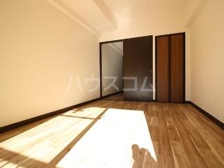 ライオンズマンション成増第五 104号室の居室