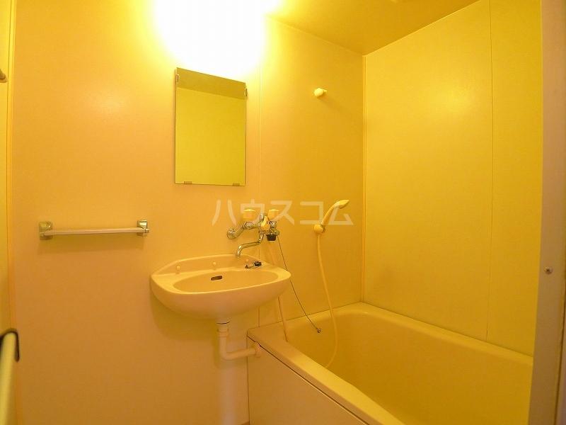 エルディム美里 02030号室の風呂