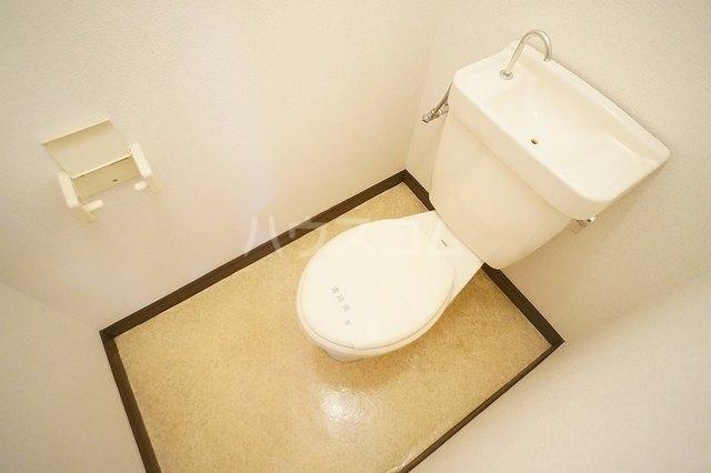 エルディム美里 02030号室のトイレ
