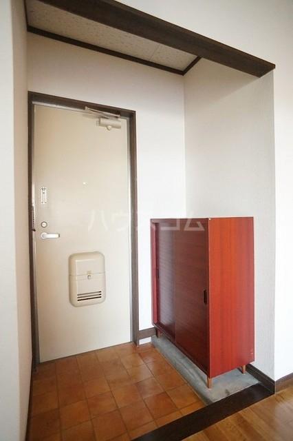 エルディム美里 02030号室の玄関