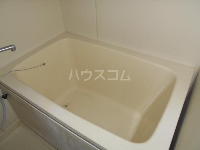 ファミーユ舘 203号室の風呂