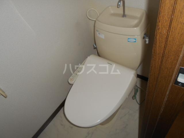 ファミーユ舘 203号室のトイレ
