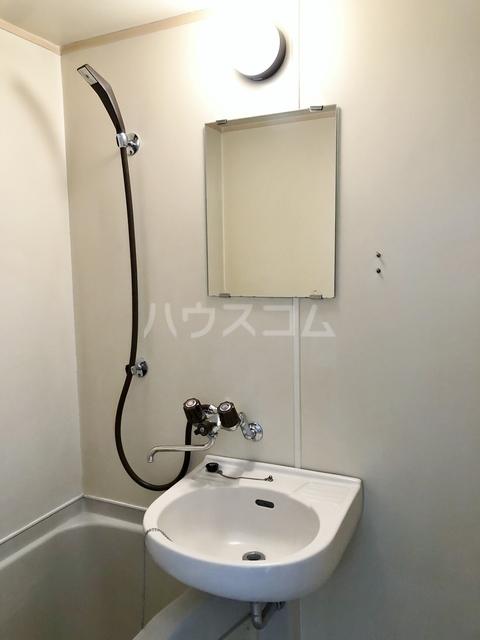 サンライフ日吉 201号室の洗面所