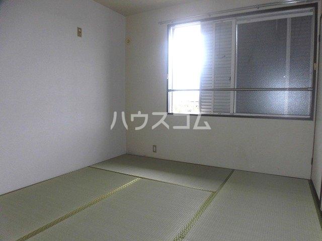 マ・メゾン藤ヶ丘A 202号室の居室