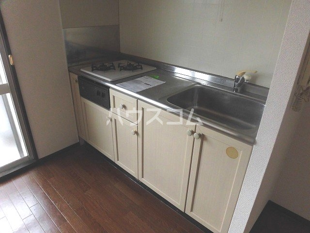 マ・メゾン藤ヶ丘A 202号室のキッチン