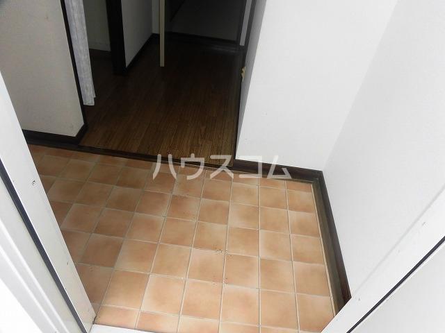 マ・メゾン藤ヶ丘A 202号室の玄関
