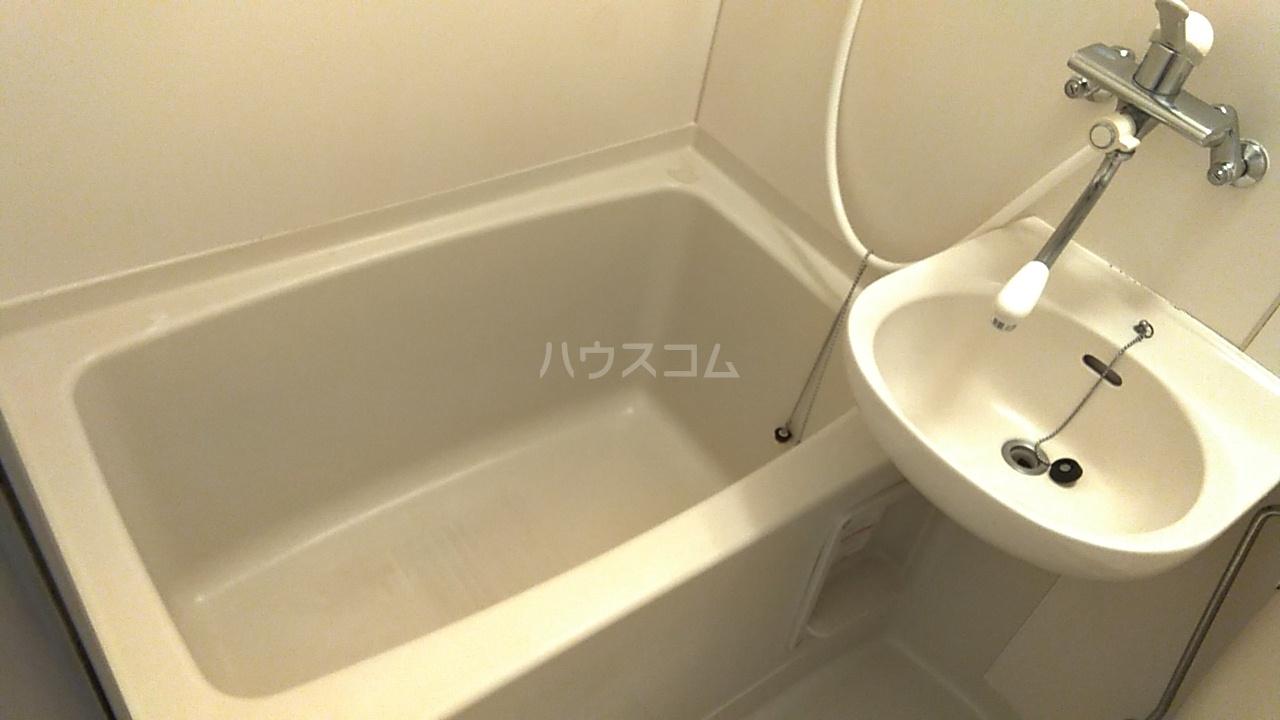 サンバレー池袋 102号室の風呂